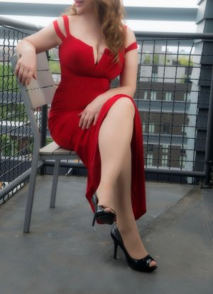 Kyriane happy ending massage and live escort