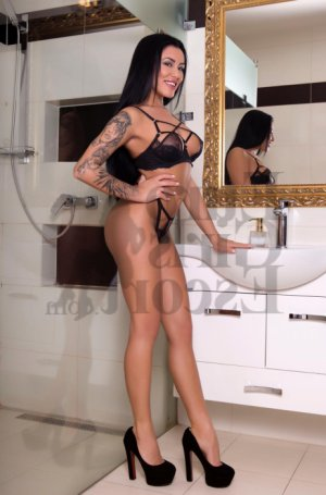 Calina erotic massage & call girls