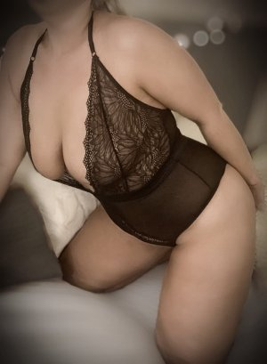 Anaya erotic massage in Wheeling West Virginia & escorts